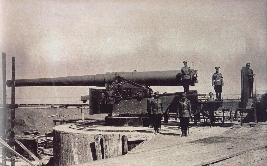 Форт Красная Горка у орудия Николай II старинная фотография.