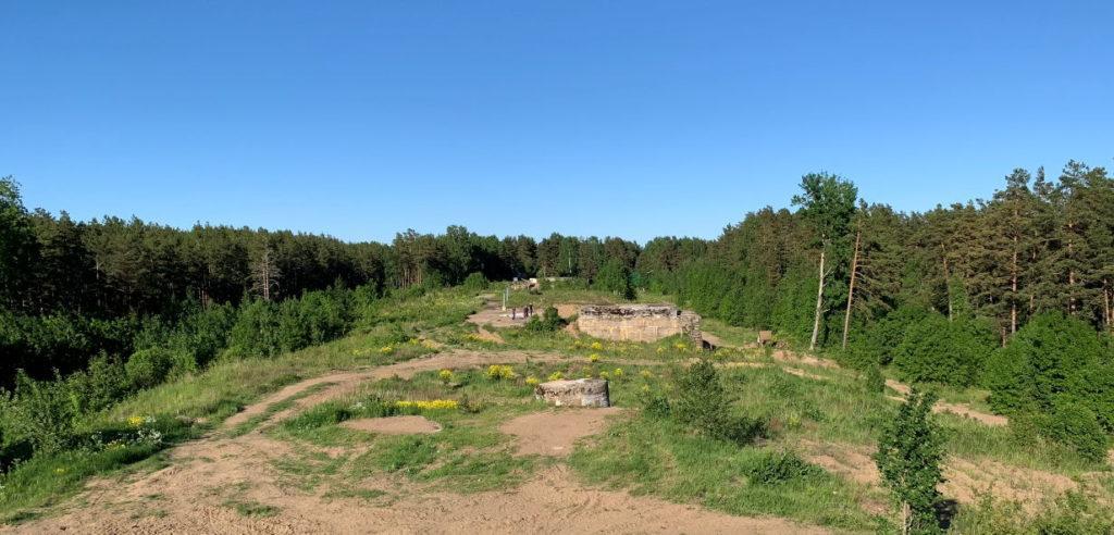 Вид с командного пункта - высотки за музеем Красная горка