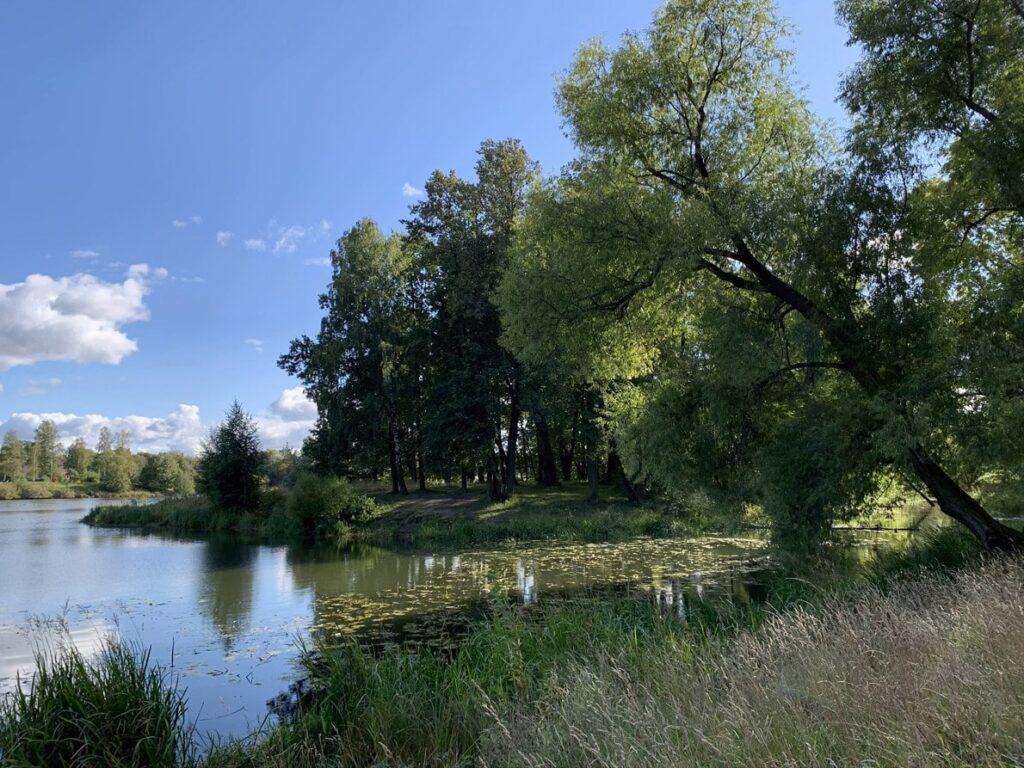 Остров Любви в Орловском парке в Стрельне Санкт-Петербург