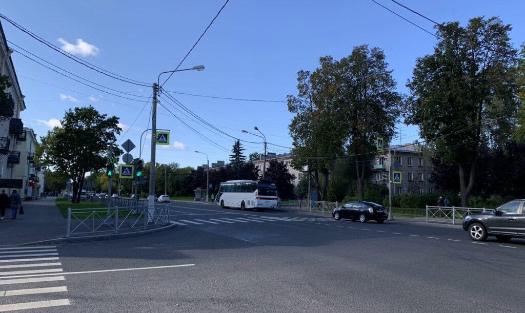 Петергофский проспект и Фронтовая улица