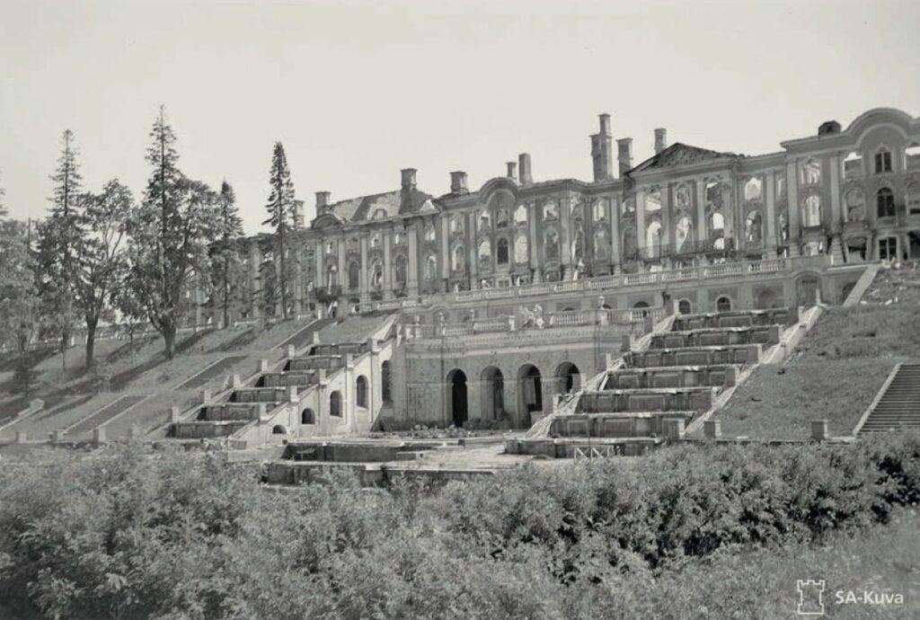 Петергоф во время Великой отечественной войны, разрушения фонтанов