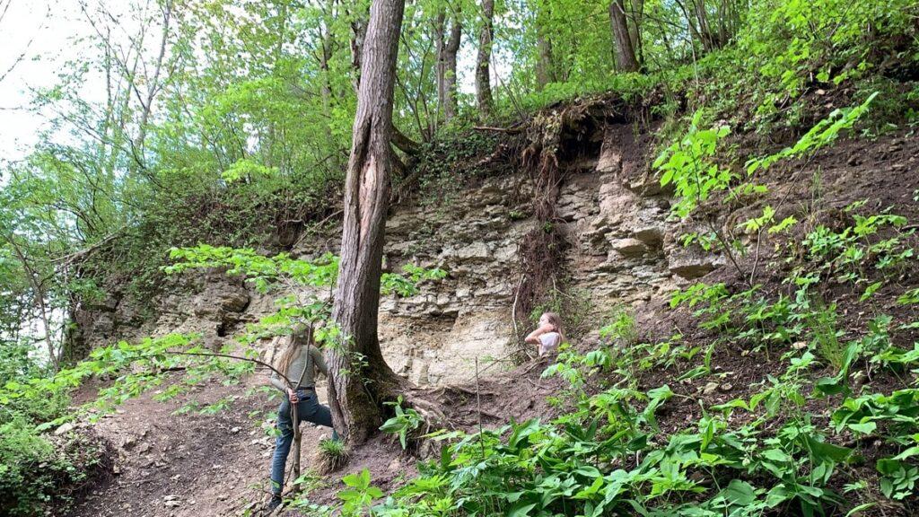 Склоны с древними породами в Лопухинке