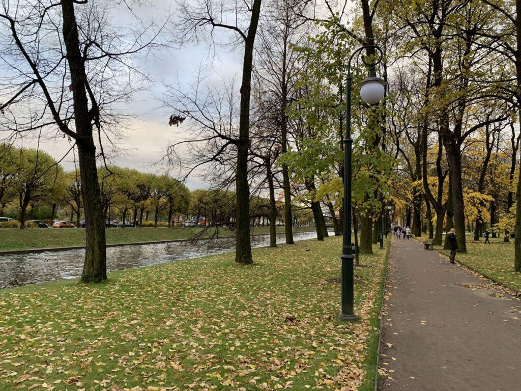 Михайловский сад со стороны Мойки