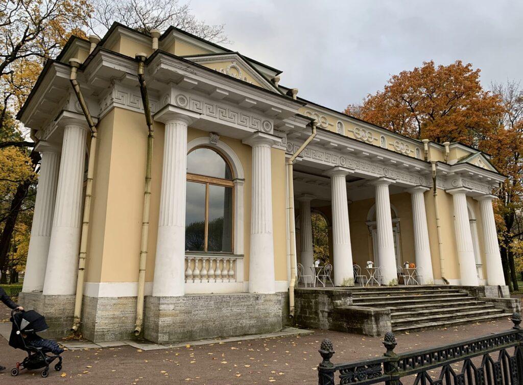 Михайловский сад - павильон Росси