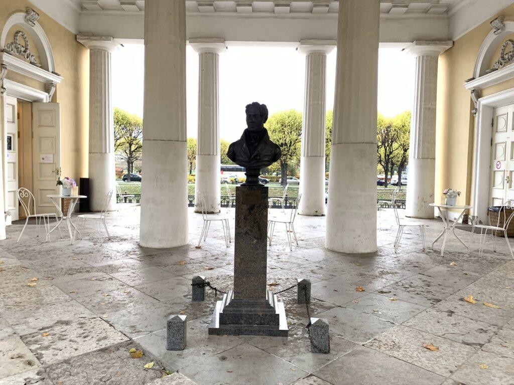 Памятник Карлу Росси