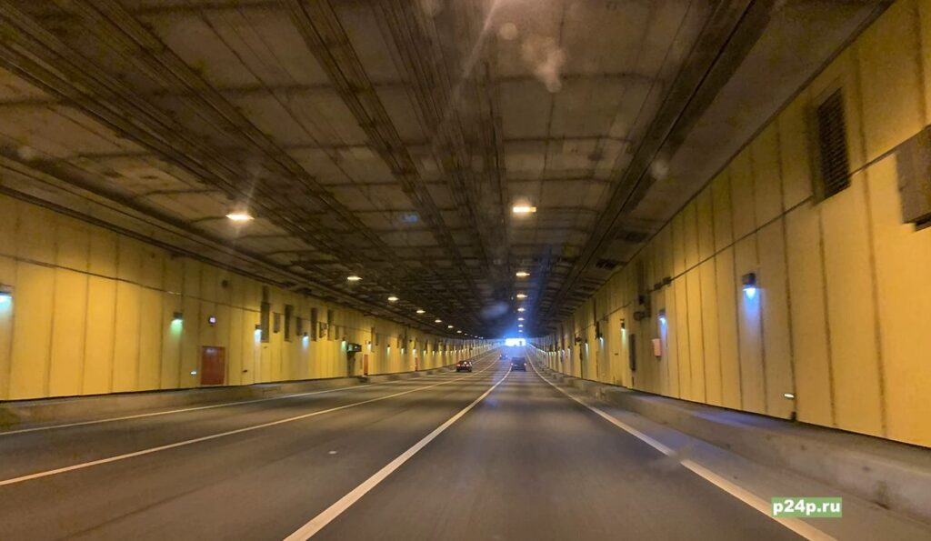 Туннель под КАД по дороге в Кронштадт
