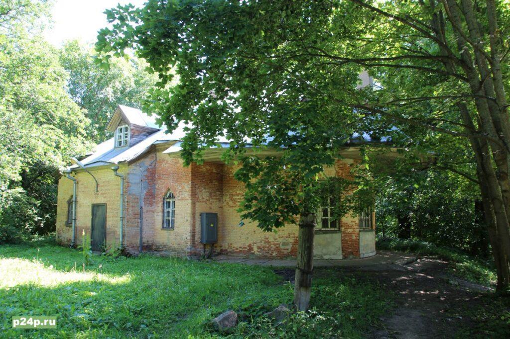 Английский домик в Сергиевке