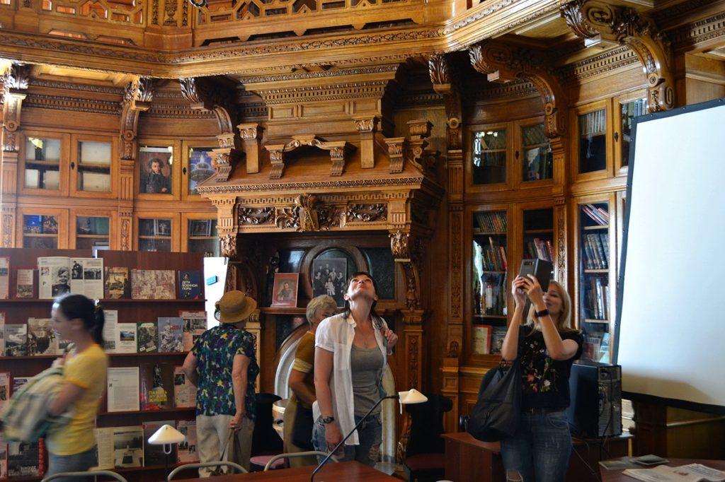 Экскурсия в Аничков дворец