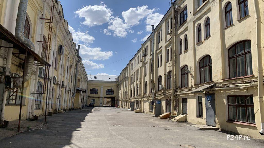 Хозяйственная зона двора Гостинки