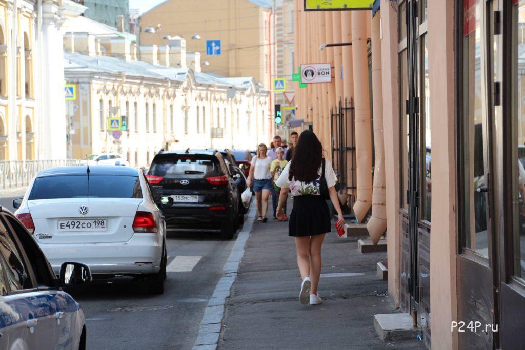 Улица Ломоносова слева Гостинка малая Суровская линия