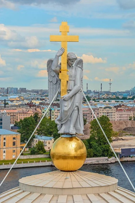 Серебряный ангел Петербурга на церкви Святой Екатерины