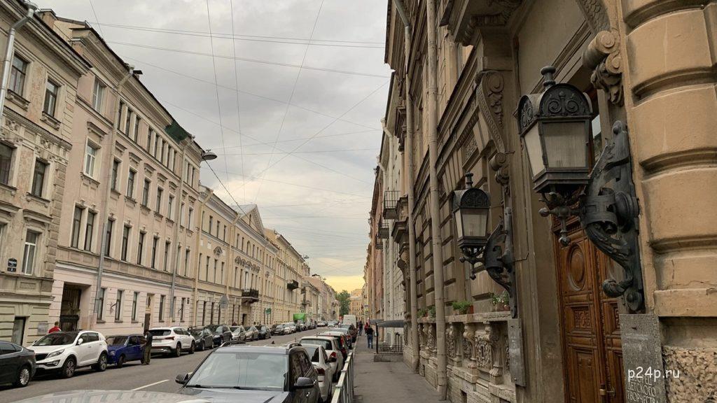 Гражданская улица Достоевский квартал в Петербурге
