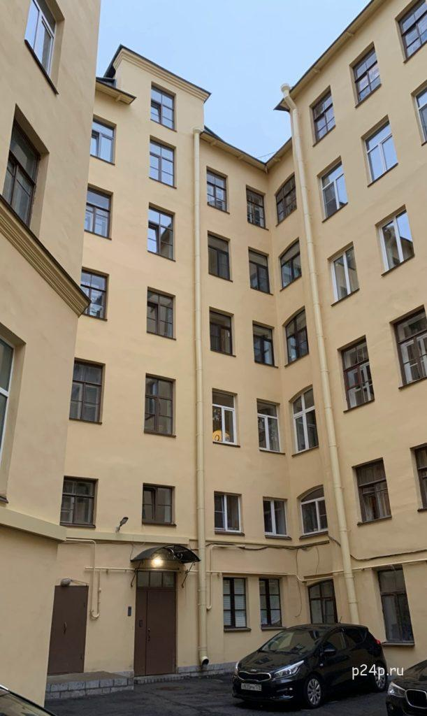 Петербург Достоевского  Двор дома старухи процентщицы