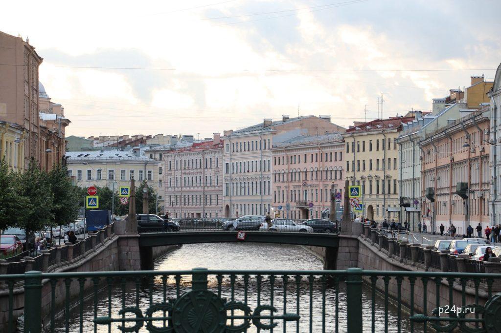 Вознесенский мост, где стоял Раскольников и увидел как бросилась в воду Афросиньюшка, вид на Подьяческий мост
